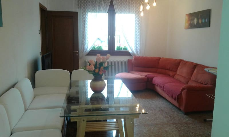 Stylish Holiday Apartment - Conegliano
