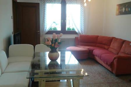 Stylish Holiday Apartment - Conegliano