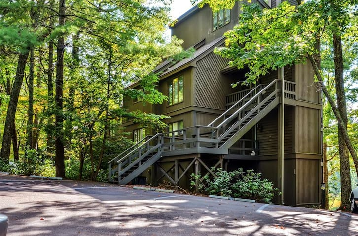 Marvelous 1BR Big Canoe Condo w/Private Open Porch