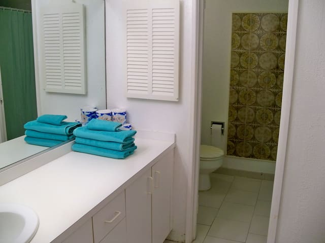 Cruzan Confection -3 Bed, 3 Bath, Self-Cater Condo - Christiansted - Wohnung