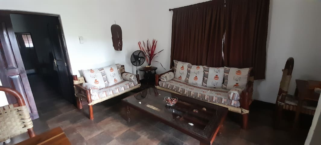 Living room with Swahili Mosaic Table