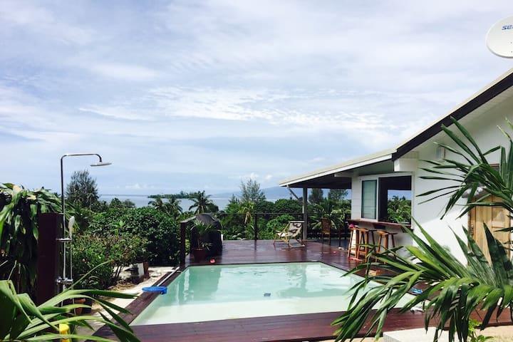 Moorea- Villa Naturā -piscine  vue mer et montagne