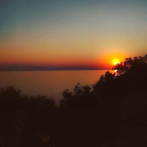 "The ""Greek Sunset"" Villa"