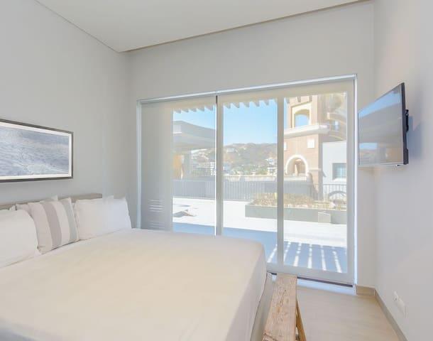 Luxury 1 bedroom/2 bath Condo Near Medano Beach!