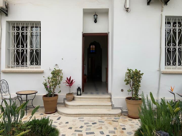 Chambre avec jardin et palmiers au cœur de Rabat