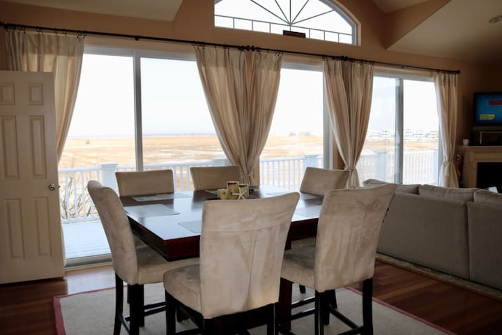 Open Dining room seating for 10