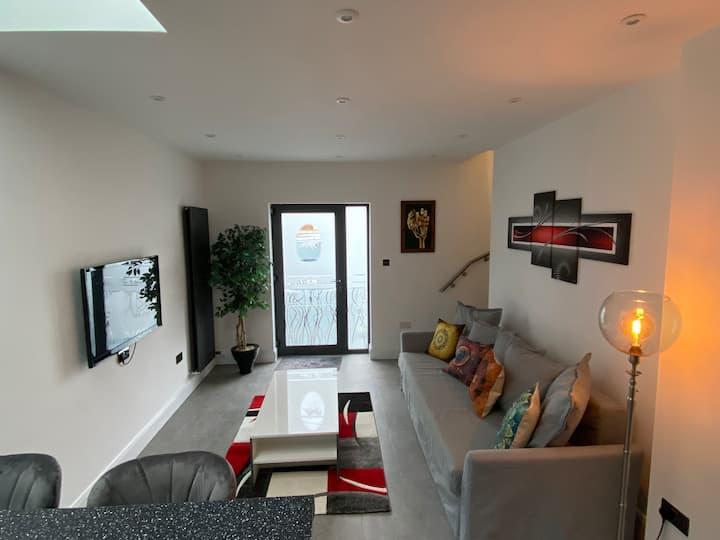 Stylish & modern, in a quiet, convenient location