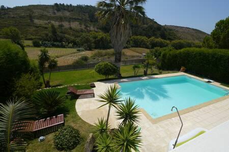 Villa 700m from beach near Ericeira - Santo Isidoro