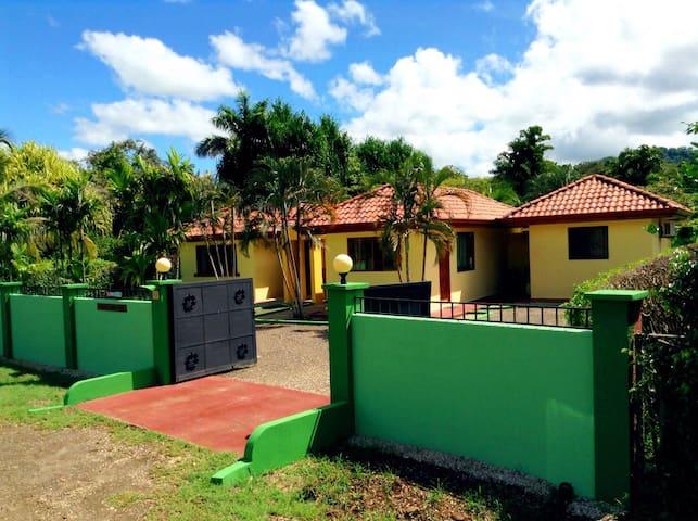 Cozy Gardens Private yet Tamarindo - Tamarindo - House