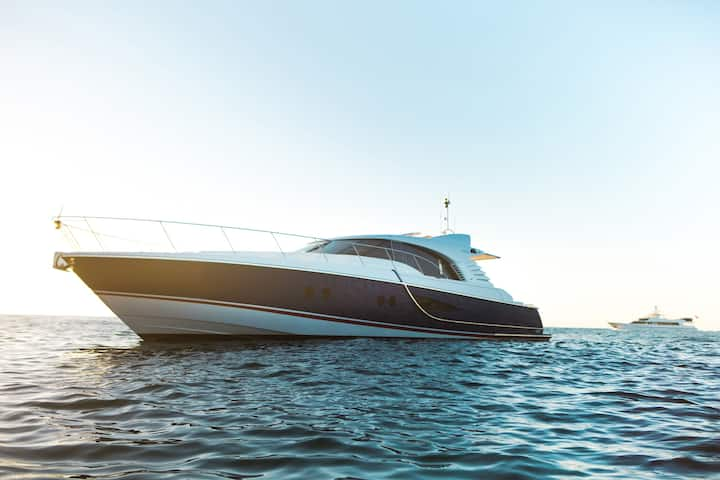 Luxury 80ft Motor Yacht - 4 Bedroom