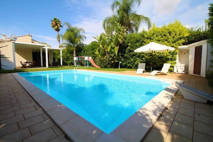 Villa Casasia Sea & Pool - Playa Grande