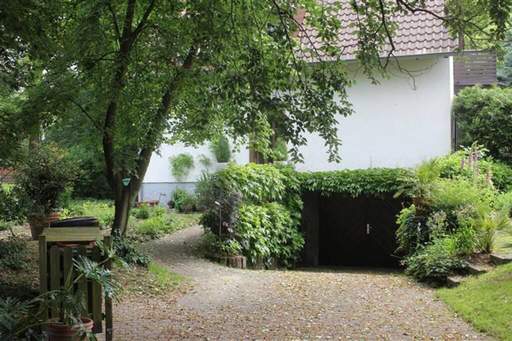 haus am wald gartennutzung mit fr hst ck h user zur miete in darmstadt hessen. Black Bedroom Furniture Sets. Home Design Ideas