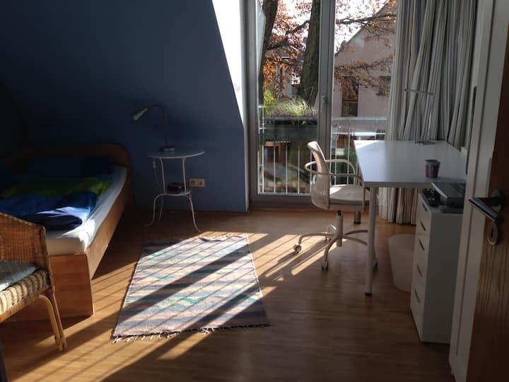 Ruhiges Zimmer im Grünen, 30 Minuten nach Köln