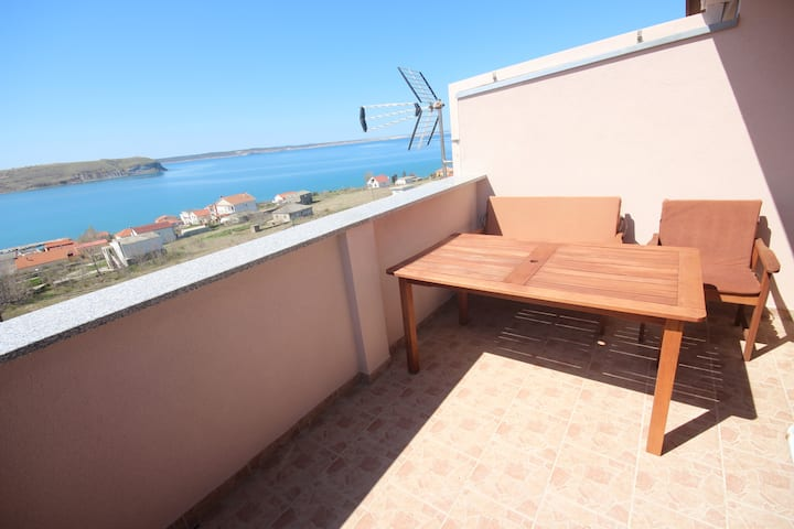 Njaco-1bedroom with Balcony and sea view (A5)