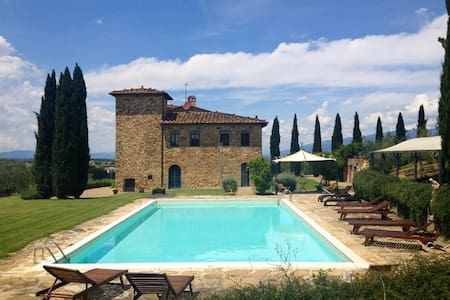 Villa in Tuscany: Pool, AC, WiFi