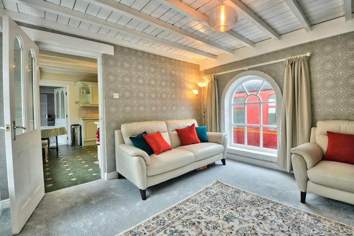 Mallard Cottage: holiday in comfort & style