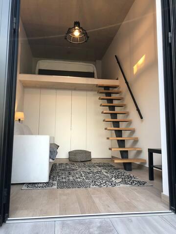 Mezzanine bedroom & lounge
