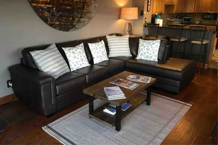 Quiet, comfortable duplex near Old Town Steamboat