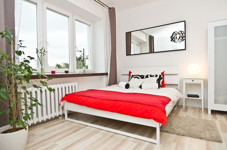 Beautiful studio near Warsaw center - Warsawa - Apartemen