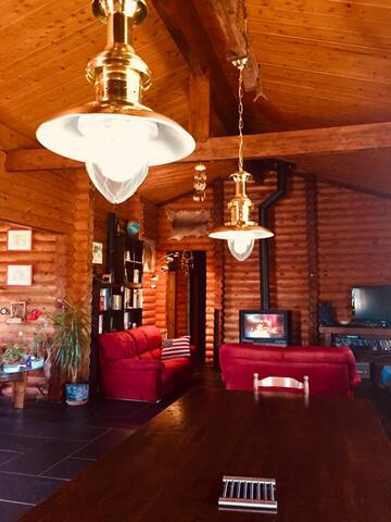 Maison en rondins massifs style ranch