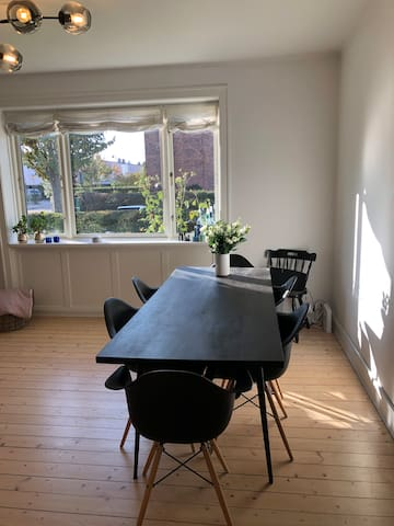 Cozy, peacefull and close to Lyngby st.