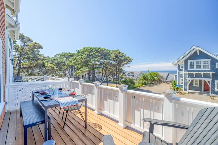 Home at Bella Beach Oceanview Townhome Has Two Suites, Hot Tub and Easy Access to Bella Beach!