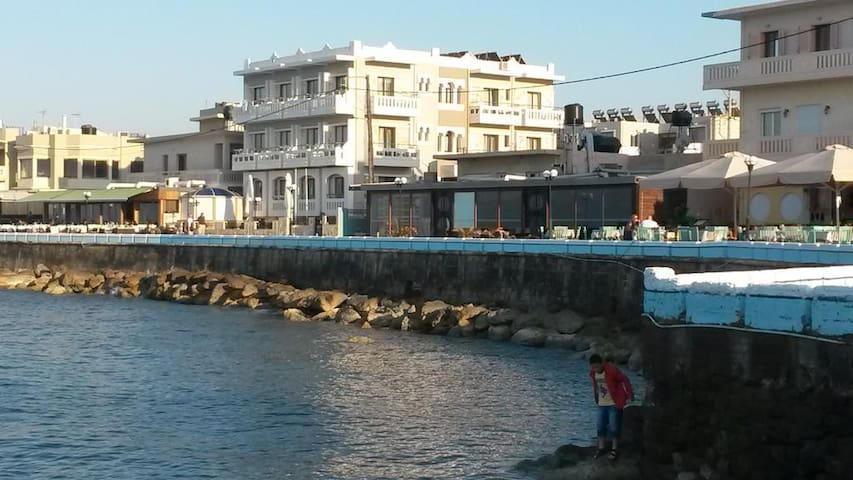 1 bedroom apartment - Mandy suites at the seafront