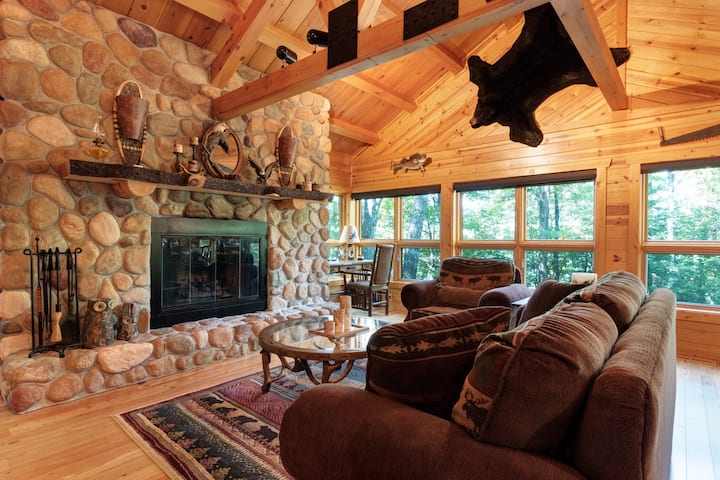 Quintessential lakefront log home w/ wood & gas fireplaces, firepit & views!