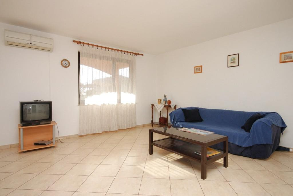 Living room, Surface: 19 m²