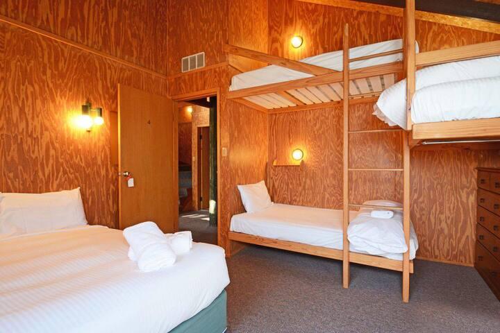 Lodge 3 - Jemby Rinjah