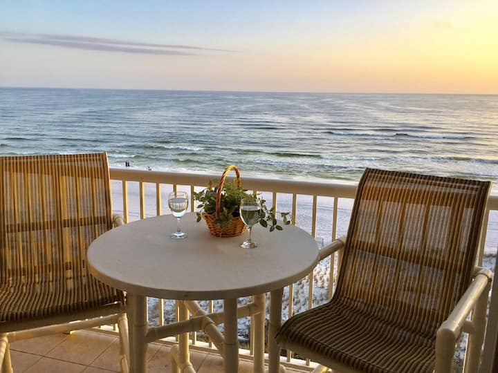 Waters Edge Penthouse Condo - Direct Ocean Front