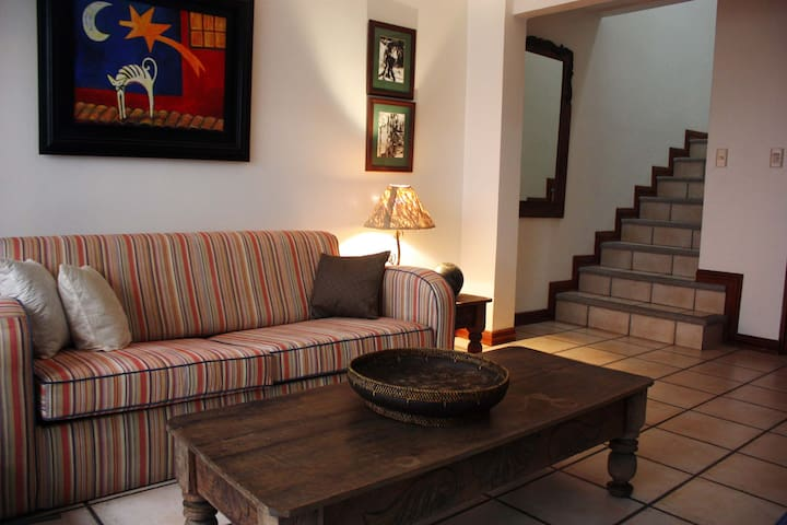 HOUSE IN SAN JOSE,  EASY ACCESS TO TOURIST AREAS