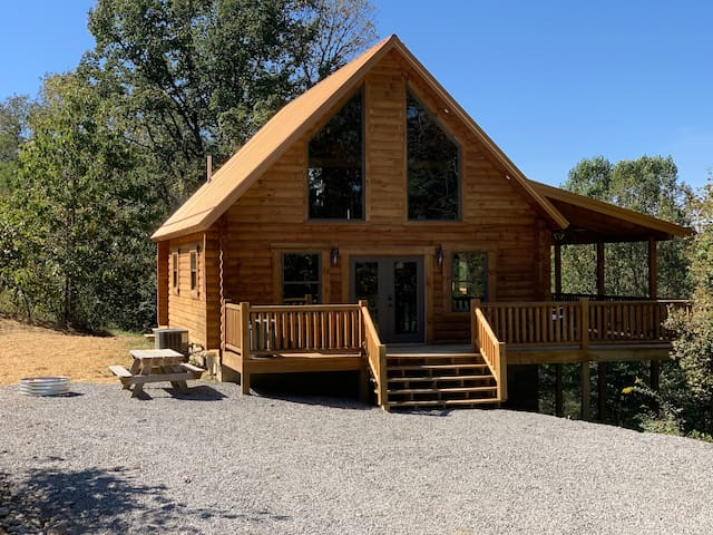 Brand New Hocking Hills Cabin with Hot Tub!