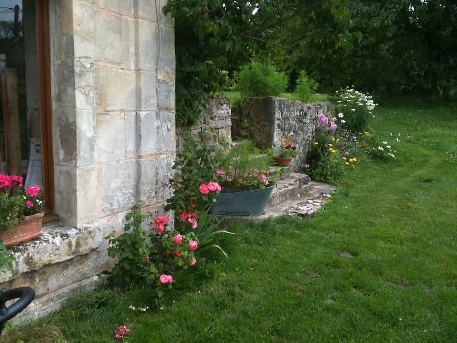 Le coté de la maison donnant sur le jardin