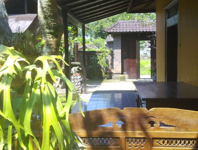 A TROPICAL HOME -west of Ubud - Abiansemal - House