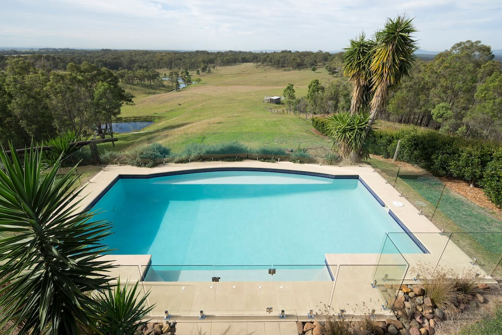 Hunter-Valley-Accommodation-Lovedale-House.jpg