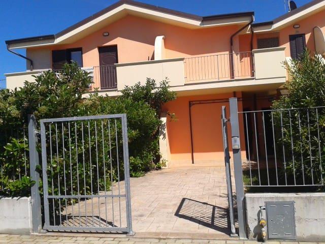 Terraced House Waterfront - San Salvo - Ev