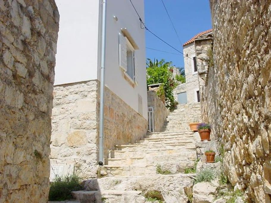 A few more steps and here you are. The house on the left after the stairs..