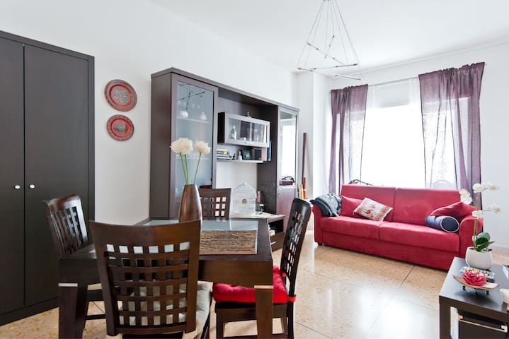 Lovely double bedroom in Rome - Rome - Rumah