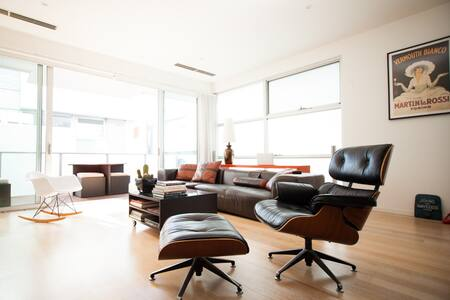 Modern and cozy room cool location - 리치몬드(Richmond)