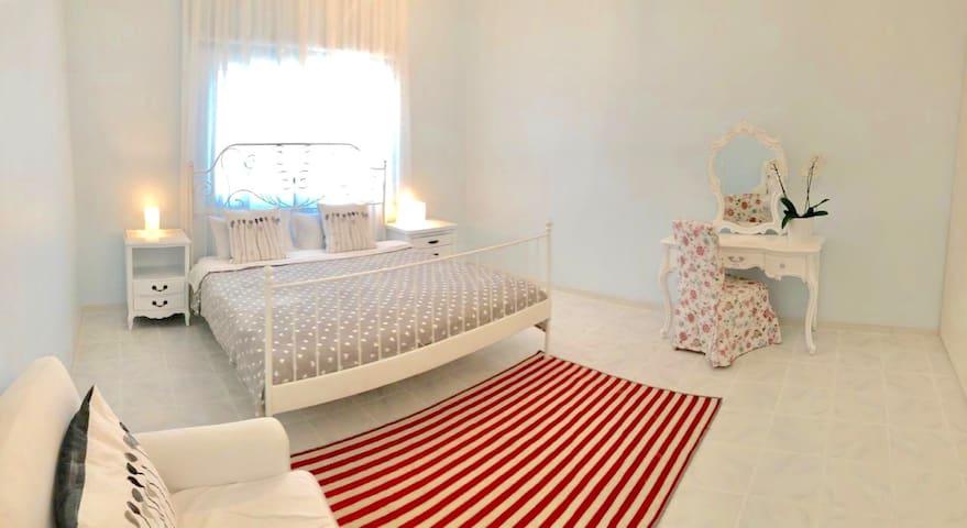 Cozy, quiet master room! In the heart of Dubai