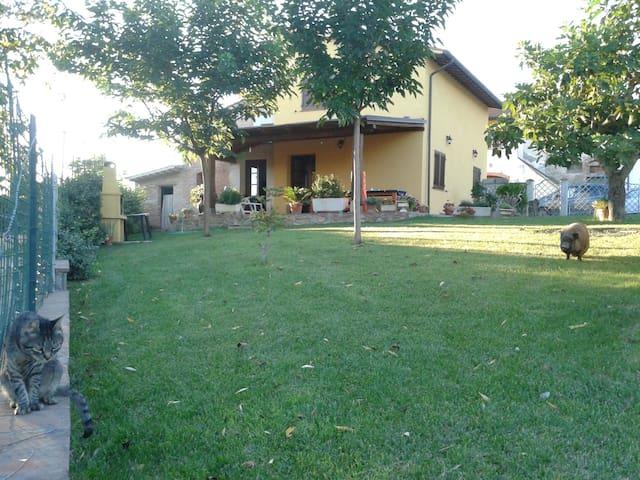Casa a Pisa nel verde della toscana - pontedera - บ้าน