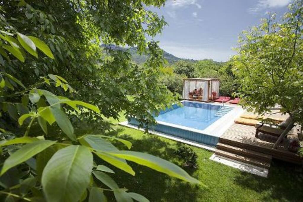 Ephesus Lodge - Peace and Comfort