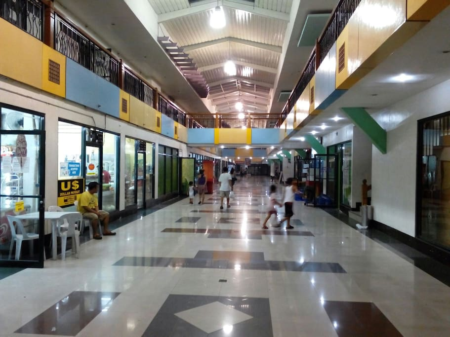 Main Building Lobby with shops. Convenience Store, Restaurants, Bank, Laundry Service, Pharmacy, Health and Wellness (Massage, Spa, Beauty Parlor) Commercial Stores.