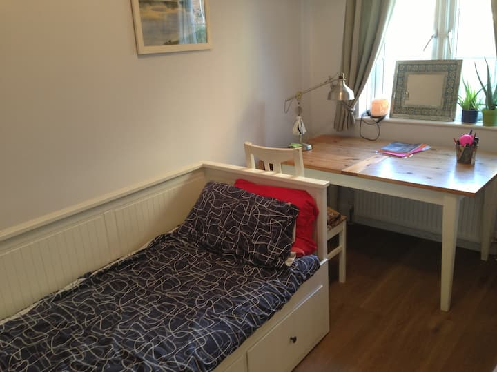 Cosy room in Northwood