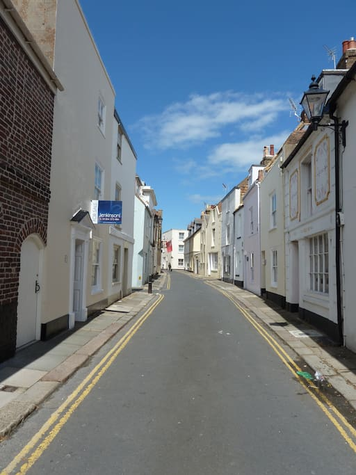 The quaint street view, so convenient to  the beach and High Street