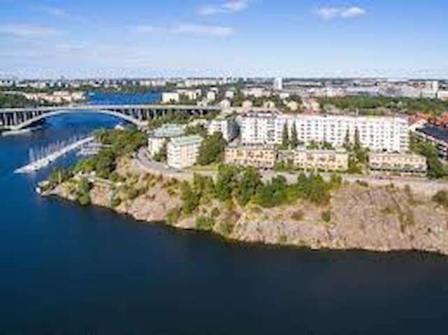 One room close to the sea and metro - Stockholm - Apartment