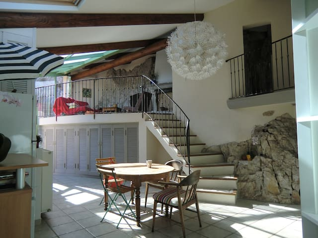 Room Under olive trees & into the city - Cavaillon - Hus