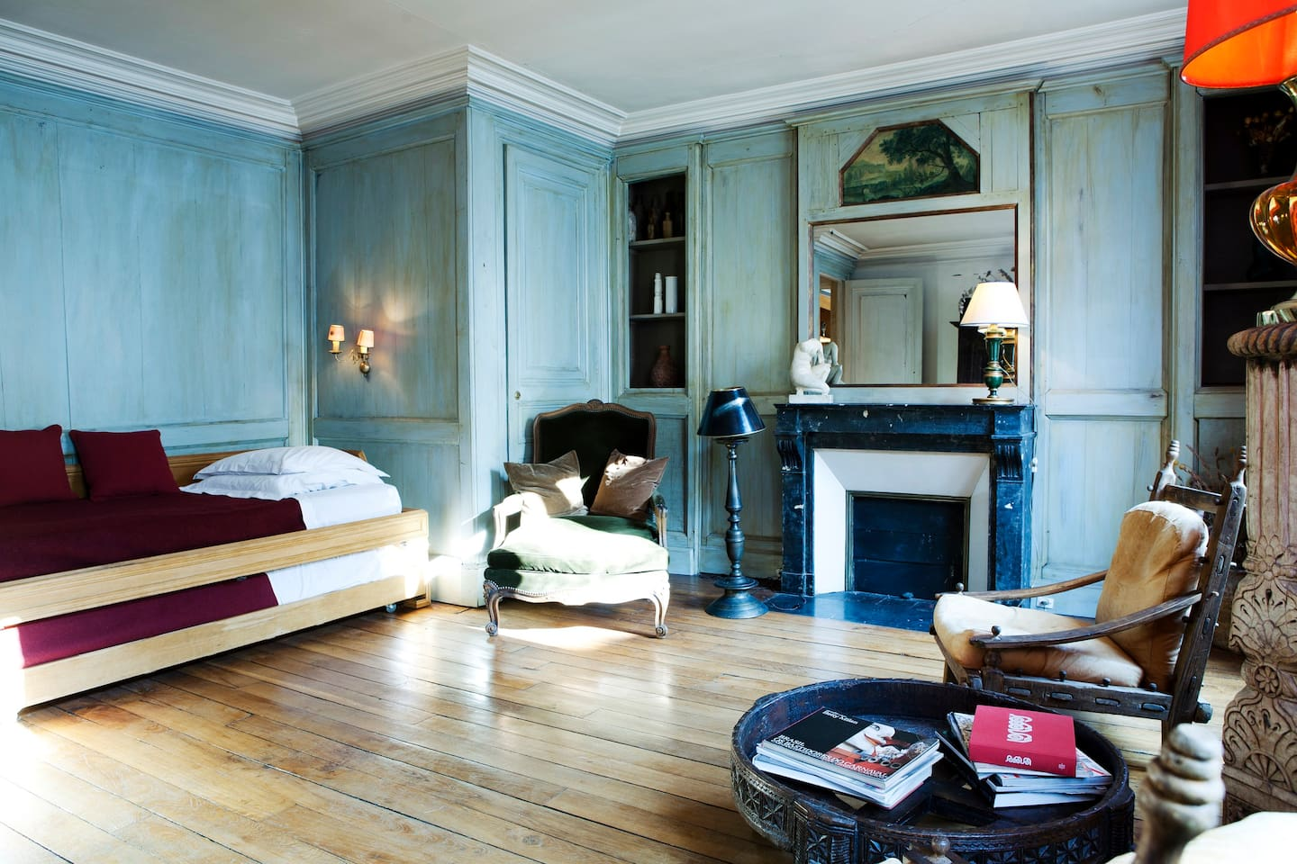Shabby chic apartment in St Germain