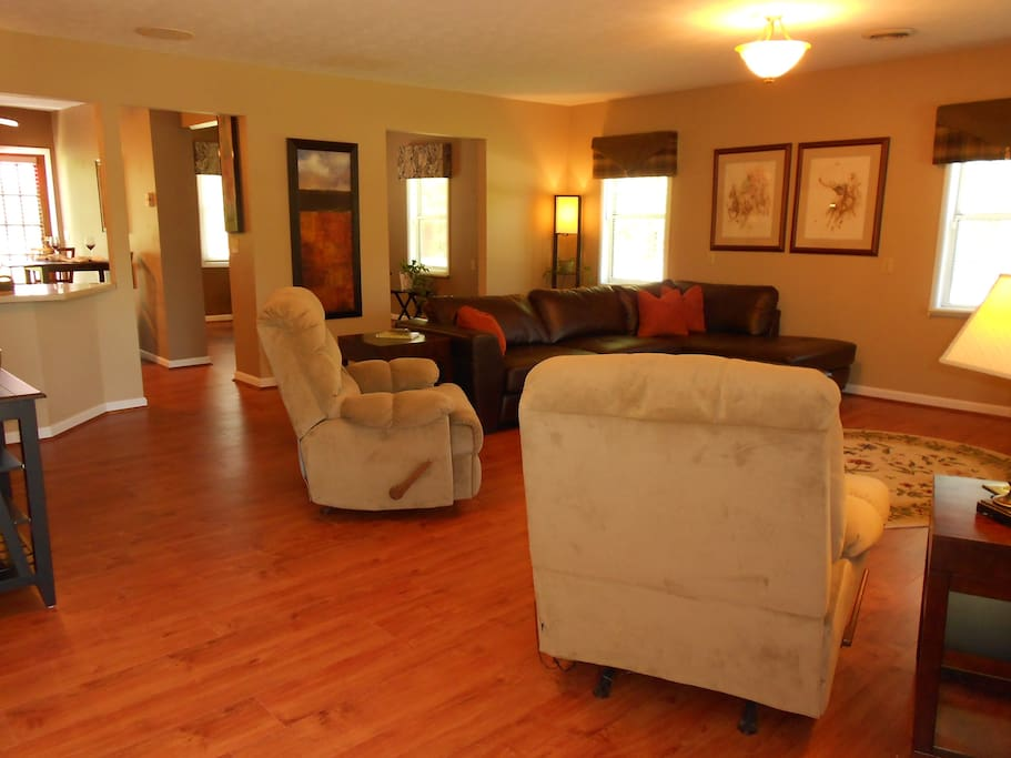 Large great room area, lots of space & seating for guest to relax and enjoy with all the comforts of home.